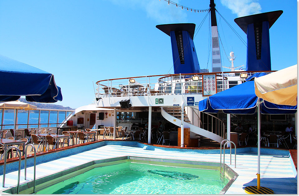 17606 16 Aegean Queen Pool Deck15 2017 Kai Ortel